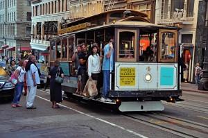 San Francisco-trolley-people-street-colorful